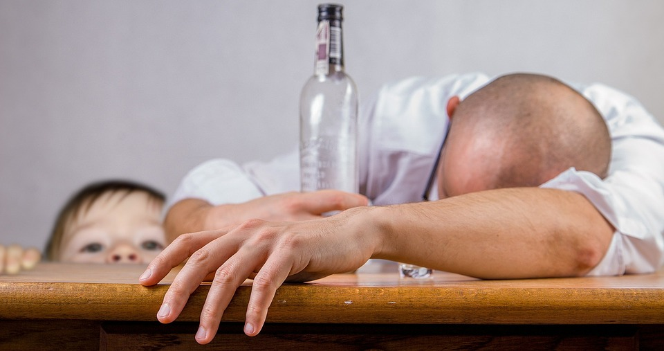 Alcoholism: the effects of alcohol abuse