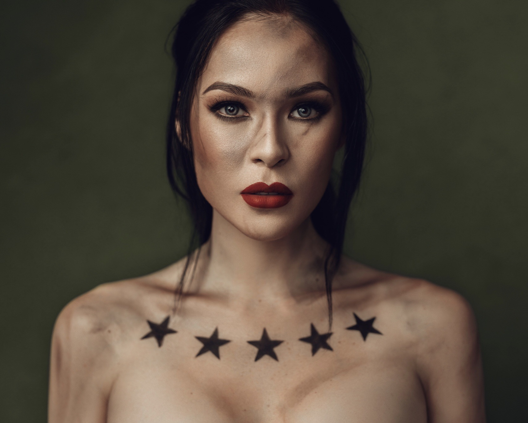 Photography Bio on Rodney Torres – A Portrait Photographer From Manila