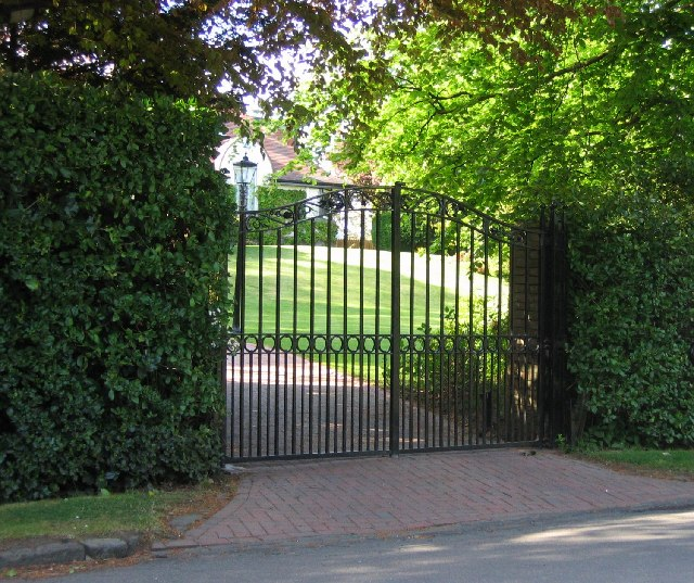 All about your Electric Gates installation, repair and equipment In Venice, California
