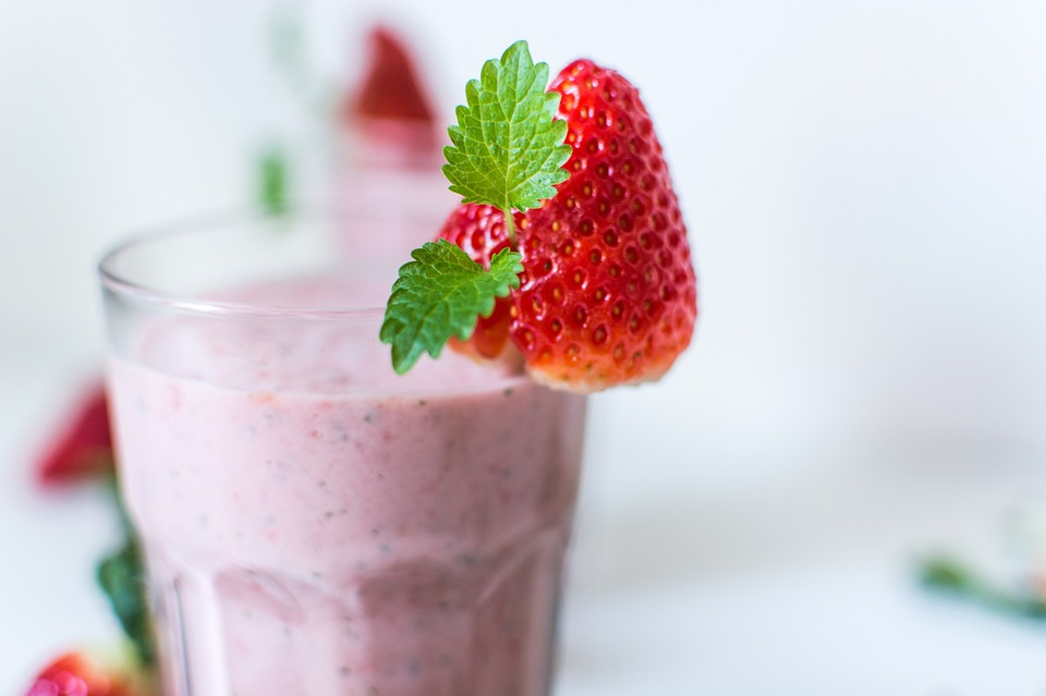 Top Things People Do & Don't Like on Smoothies According to Ideal Shape