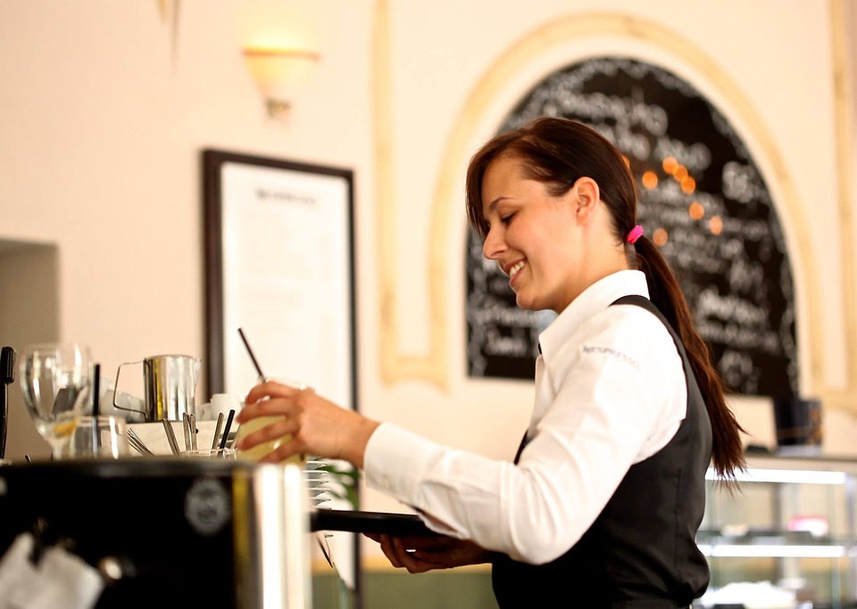 Top Reasons Why You Should Hire a Waiter for Your Private Event