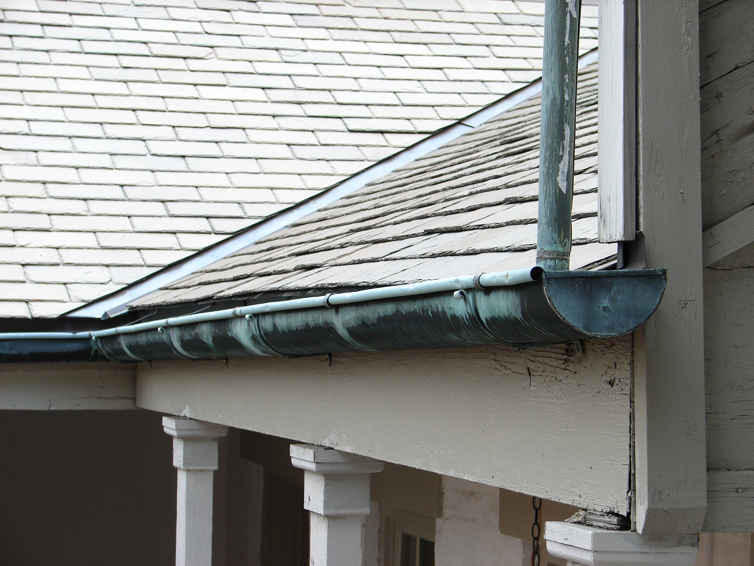 Top 5 Tips on How to Repair Your Gutters