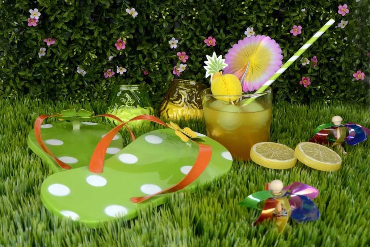 Green grass, fruity drinks and a refreshing breeze all make the backyard the perfect setting for a party during the warmer months.
