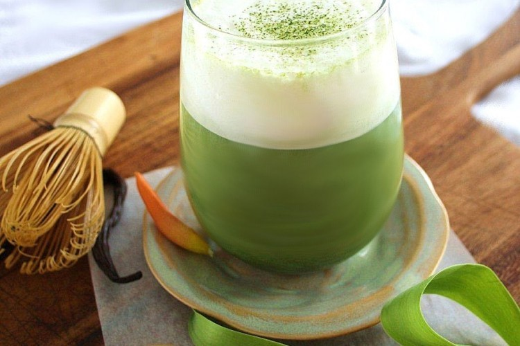 Enjoy various health benefits of matcha green tea and stay fit