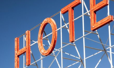 9 TIPS FOR STARTING A HOTEL