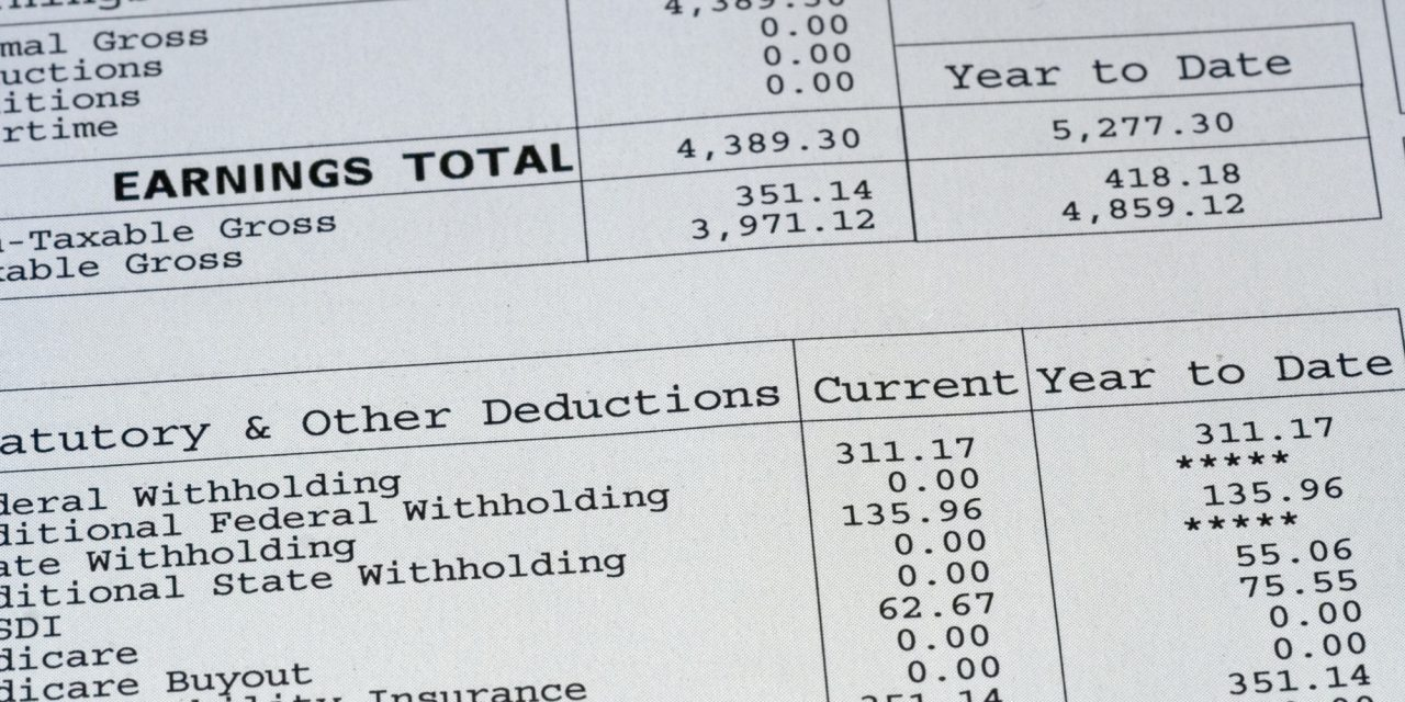 What Should Be Included On a Pay Stub?