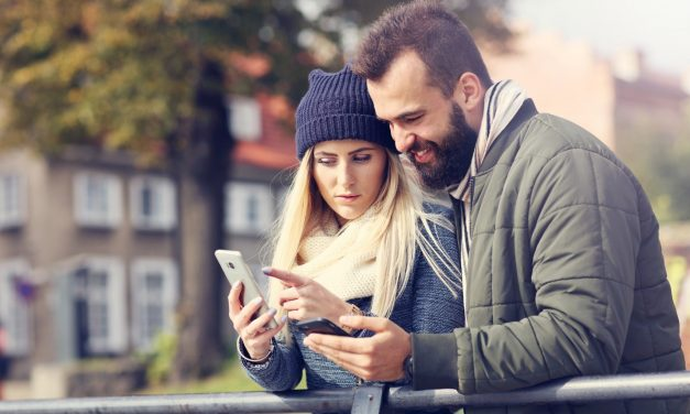 How to Navigate the Waters of Traditional Online Dating Sites vs Trendy Apps