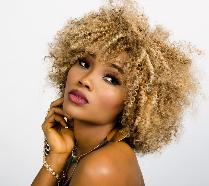 10 Tips to Take Care of Your Curly Hair