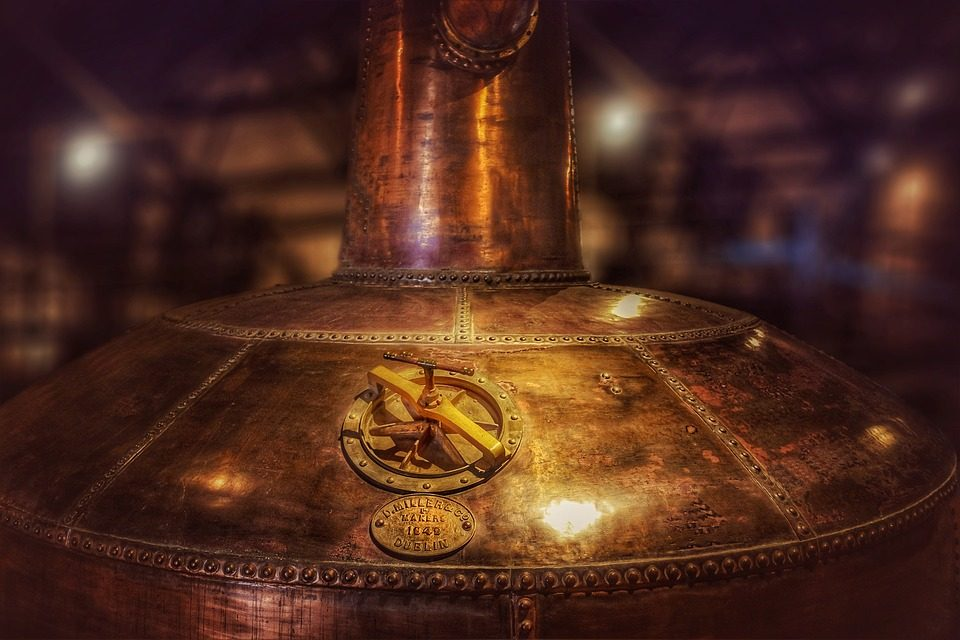 Behavior 101 : Essential Etiquettes To Remember When On A Distillery Tour