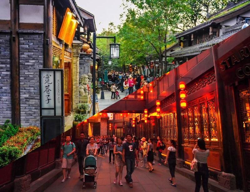 Kuanzhai Alleys VS Jinli Street: Chengdu Experiences