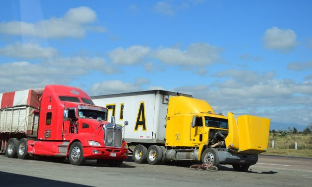 5 Unfortunate Mistakes Victims Make After a Truck Accident