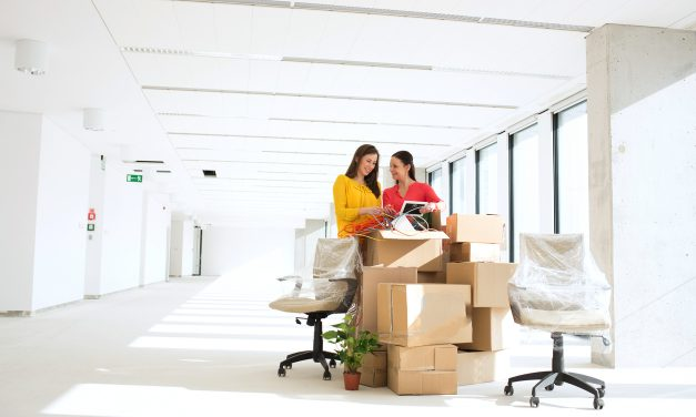 DIFFERENT KINDS OF OFFICE TABLE AND ALL YOU NEED TO KNOW ABOUT THEM