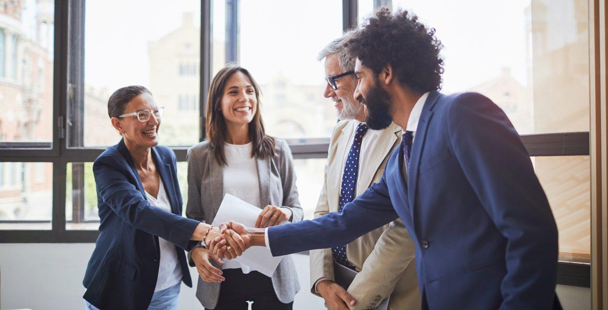 6 Creative Ways to Reward Employees in 2021