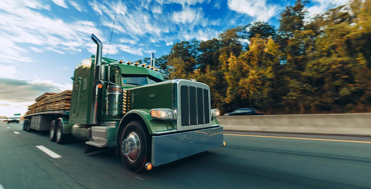 WHAT ARE THE THINGS TO KNOW BEFORE HIRING A TRUCK ACCIDENT LAWYER