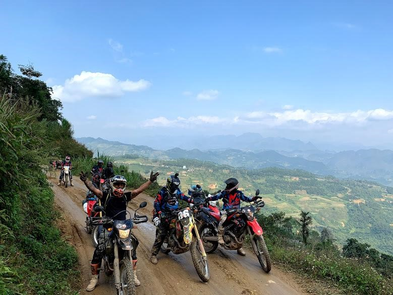 Top 6 Thrilling Roads for Your Vietnam motorcycle trip