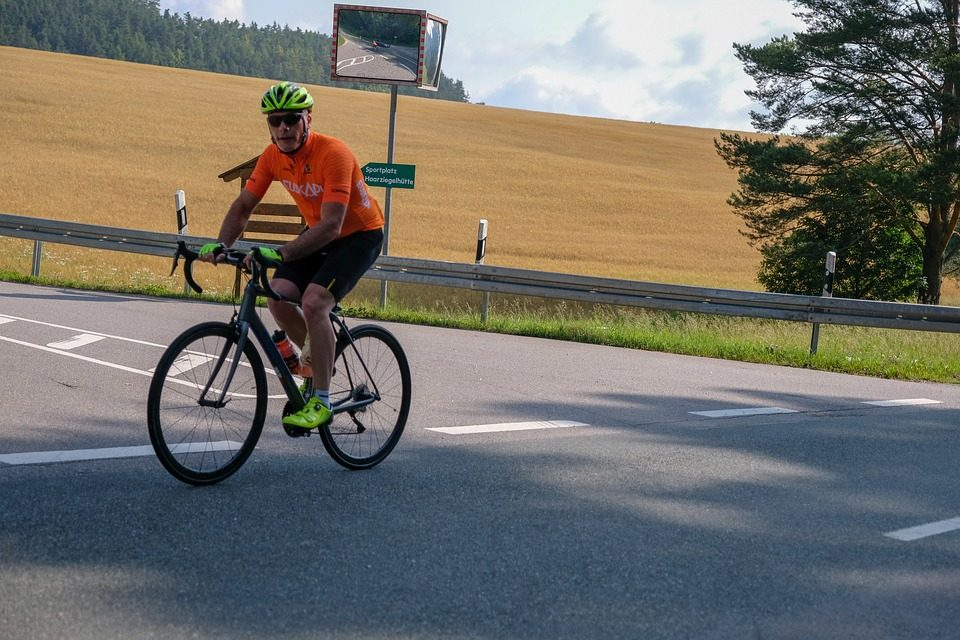 Everything to look for in your first road bike for traveling