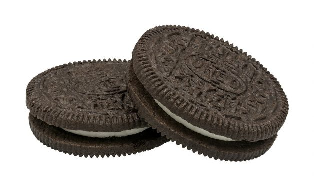 ARE OREOS VEGAN? FACTS TO KNOW ABOUT THESE COOKIES