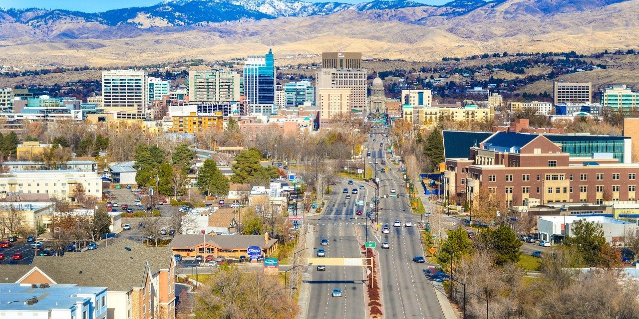 How to Sell a House without a Realtor in Idaho