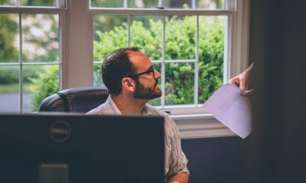5 Tips for Properly Dealing With Problem Employees