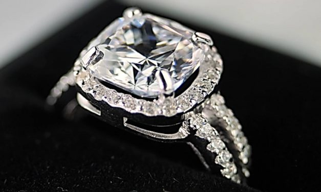 Diamond Simulant Engagement Rings