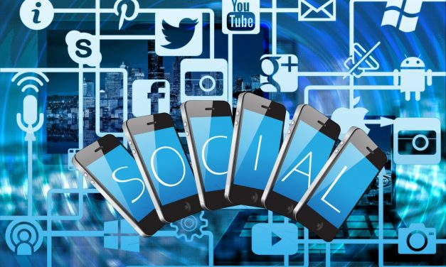 4 Must-Know Tricks to Starting Your Own Company on Social Media