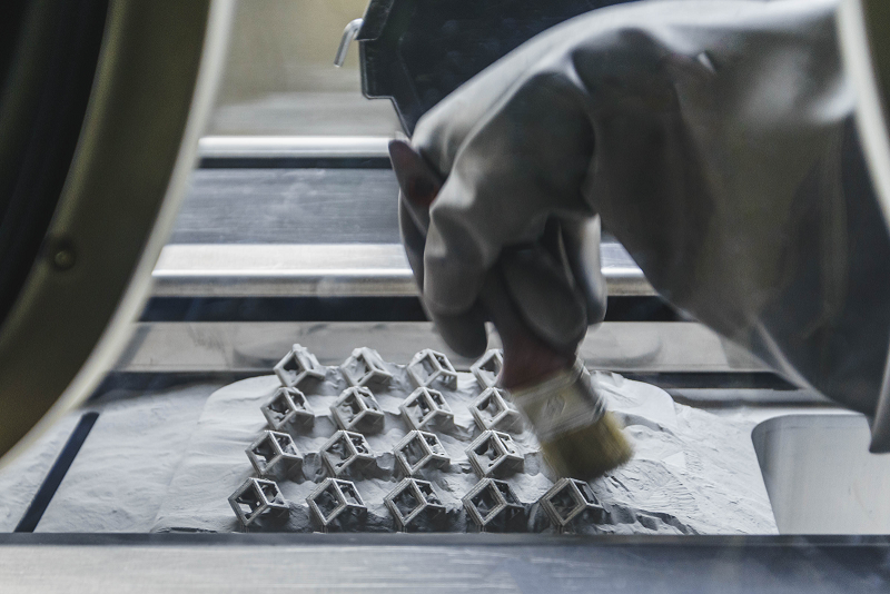 The metal 3D printing process explained in 3 steps