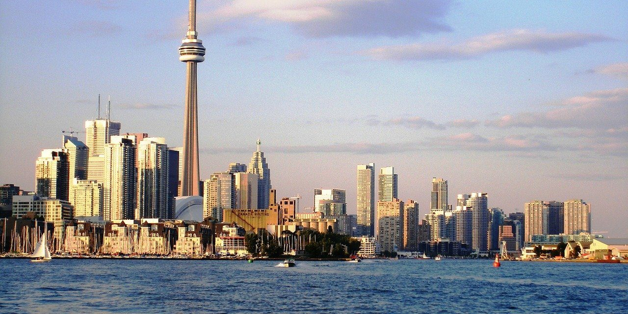 5 Reasons to Choose Toronto for 6 Months