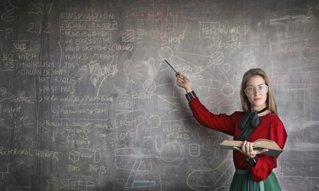 8 Signs Your College Teacher Is Just Awful