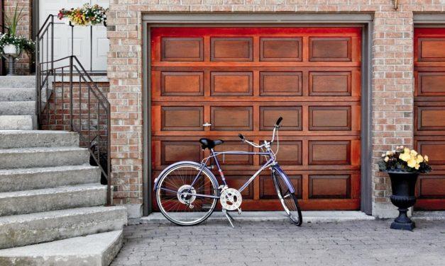5 Beautiful Garage Door Designs for Your House
